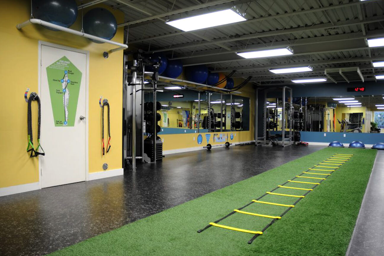 Gym synthetic turf TurfLink TL60 and Deko rubber at the Motion Room (Toronto, Ontario)